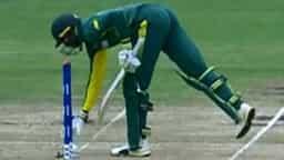 U19WC: जब बल्लेबाज को विकेटकीपर की मदद करना पड़ा भारी और फिर...