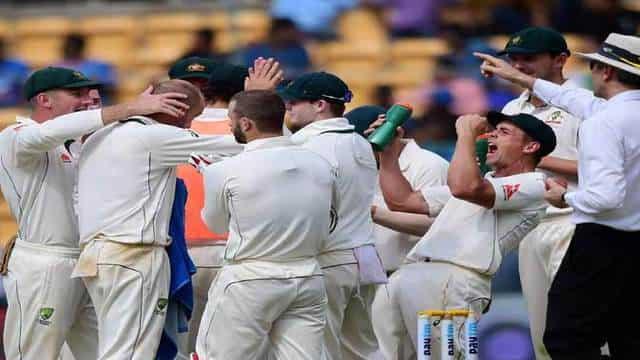 INDvsAUS: 'लियोन' की दहाड़ से सहमे भारतीय, 189 पर टीम हुई ध्वस्त